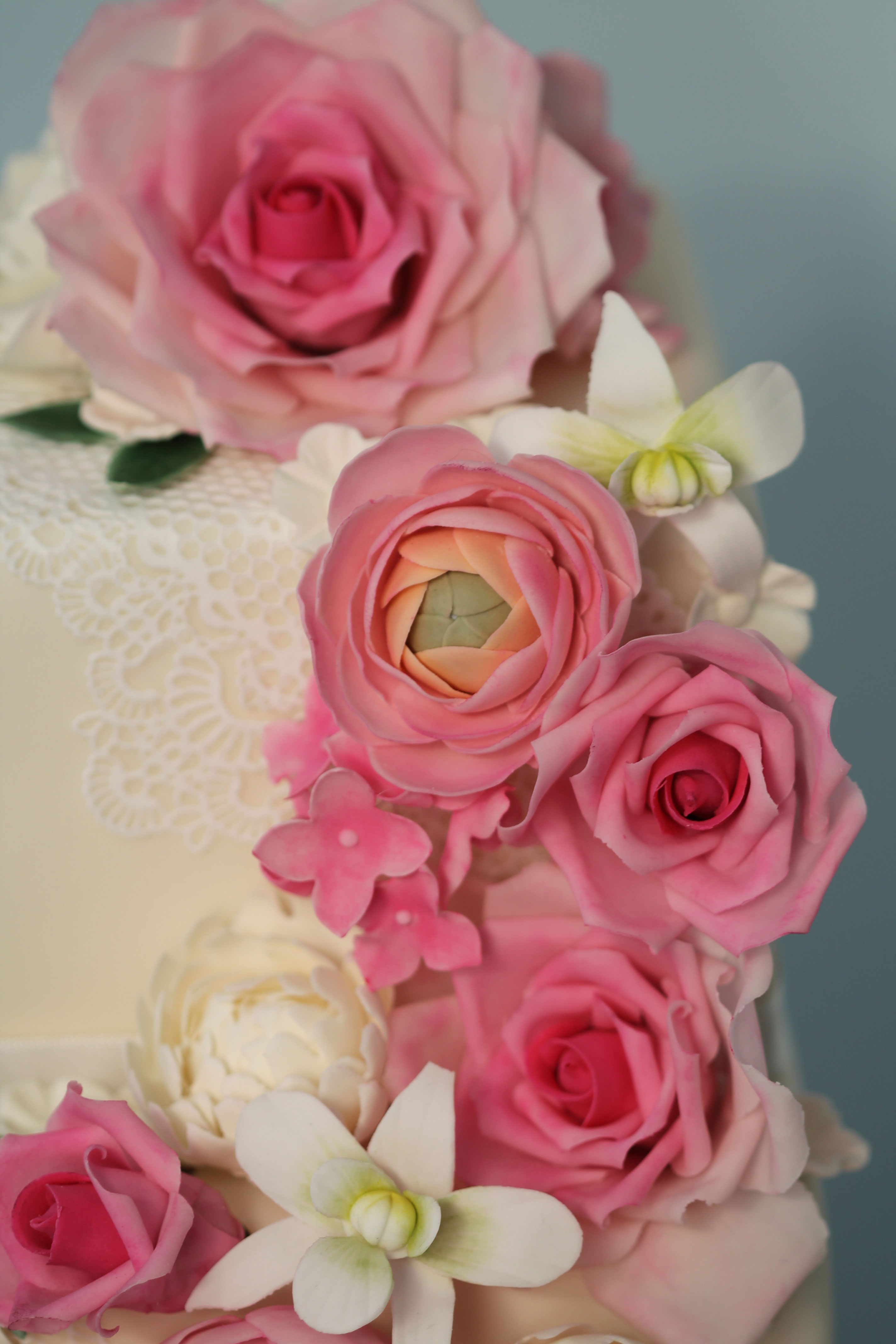 Roses OrchidLace Cake